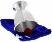 Eleganter Chop Cup in Kelchform